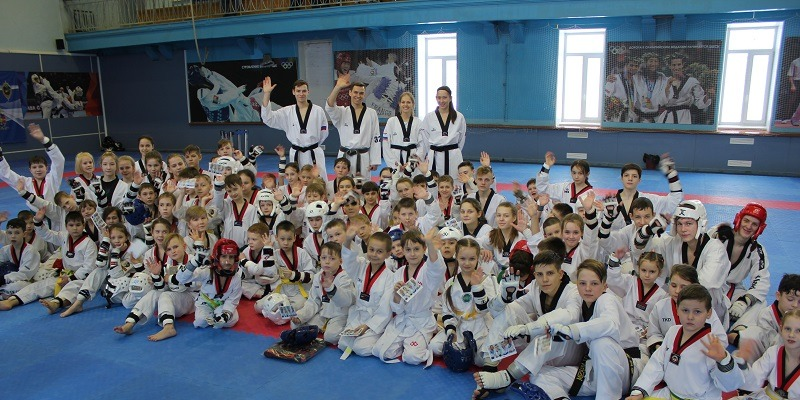 В Челябинске прошел благотворительный семинар по тхэквондо в поддержку Екатерины Шенкнехт